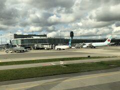 バンクーバー空港に到着しました。