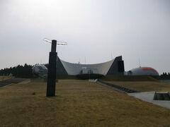 のとじま水族館からまたバスに乗って今度は能登島ガラス美術館へ。