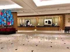 21:30、【アンバサダーホテル】に到着。