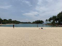 すぐ近くにパラワンビーチがあります。ウォーターパークで遊んだ後、ここで散策。