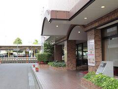 JR高崎線本庄駅のホームの隣。