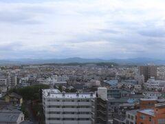 1030号室からの眺望。正面に本庄早稲田駅。