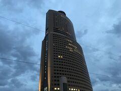 大きなビル