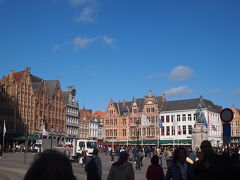 街の中心、マルクト広場に着きました。