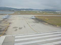 南側からの着陸です F-18戦闘機 runway 2400m