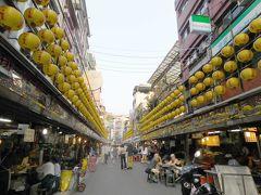 台湾のランタンと言えば赤というイメージですが、基隆は黄色 基隆は都会なので、ファミマもセブンもモスバーガーもあります