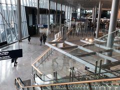 ヘルシンキ空港。 六年前、中欧に行った際に一度立ち寄ったことがあります。 以前よりきれいになっていました。