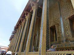 エメラルド仏寺院の本堂。本堂中は撮影禁止です