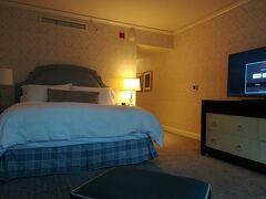 本日のホテルはリッツカールトンシカゴです。 SPGカードの更新特典で無料で宿泊させていただきました。 憧れのリッツ!