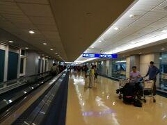 定刻に台北桃園空港に到着です。