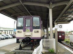 """2019.04.30 大間々 私の中で""""レールバス""""第一世代。薄そうな鉄板で仕上げた、車長の短い車両だ。2軸は紀州鉄道キハ600の最終日、切り替わりで乗った以来である。写真は7枚しかないが、当該線区での運用を終えてしまった車両ばかりだ。わずか10年前だというのに…  https://4travel.jp/travelogue/10976343"""