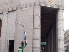 旧日本勧業銀行台南支店の建物の通路も趣きがあってかっこよかった。