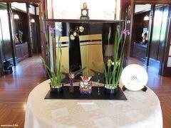 山手111番館の端午の節句飾り  玄関ホールの飾りつけ 装飾:ポーセリングアート 展示期間:4月27日~5月6日