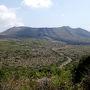 金曜のお昼、「竹芝に焼酎買いに行きたいなー」から始まったこの旅。 1ヶ月もしないうちにまた来てしまったよ伊豆大島。  まずは憧れの「三原山」へ。 朝7時半に登り始め、気がつけば4時間半も歩いてた。