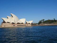 位置的にも当然ですが、サーキュラーキーを出るとすぐにオペラハウスを海から臨むことが出来ます。