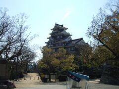 岡山城を見ながら…次の玉井宮東照宮を目指します。