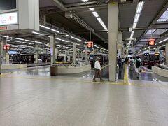 阪急梅田駅に到着しました。 10面9線のホームはいつ来ても圧巻です! 乗り鉄には心躍る駅ですね!!!