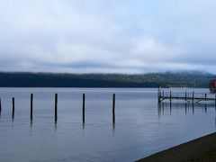 朝のテ・アナウ湖