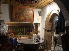 Casaでおすすめされた夕食レストランはハッサン1世通り Casaから 少しスーク門に歩いたことろにある Lala Mesouda