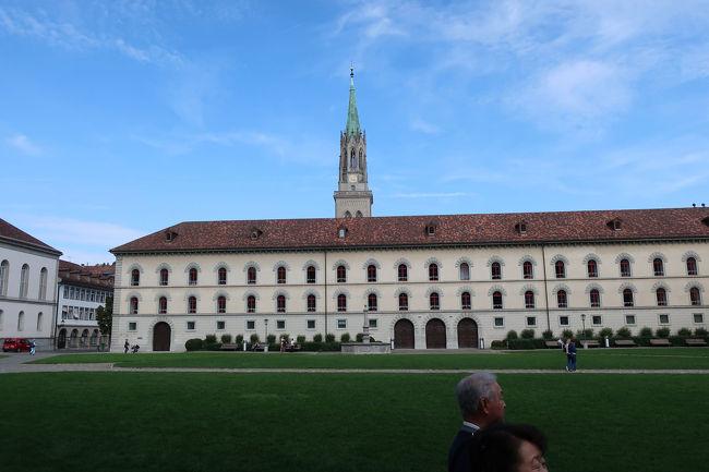 旧修道院は学校のようでもあり、8世紀頃から修道僧が集められ発展していった歴史を感じることができました