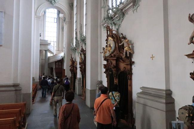 世界遺産大聖堂の内部を見学して、ザンクトガレン散策の自由時間となります。
