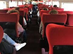 ブリュッセル南駅よりタリスでアムステルダムへ。 イミグレも電車内の検札もなかったような 2等席でも椅子フカフカ~ 日本から予約したけど1ヶ月間違えた 変更ができなかったのが残念