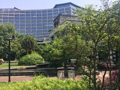 ホテルで荷物をまとめて、チェックアウト。タクシーで松山文創園区へ。おしゃれスポットです。