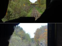 更に進んで豊ヶ岡。ここも道路を通ってアクセスすると、畑の中に突如現れた林道のような所に突然現れる駅だけど、列車からの視点では・・・ずっと森の中みたいだな。
