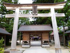 3日目は、朝一で八重垣神社へ。 松江駅から路線バスで向かいました。 約15分で到着です。