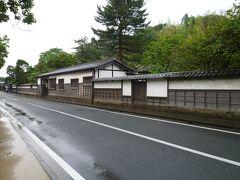 船を降りて、塩見縄手へ。 城下町の雰囲気そのまま。 日本の道100選に選ばれているそうです。
