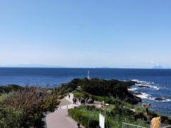 ホテルを出て真っ先に向かったのは長崎鼻の竜宮神社。  とても良い天気で屋久島や種子島まで見えました。 地元のタクシー運転手さんがこんなに見えるのは珍しいと言ってましたよ。
