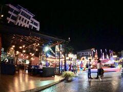 【ナンプ広場】  ちょっと騒がしい....けど、人の出が少なく、寂しい広場が見えてきました。
