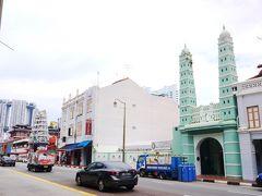サウスブリッジロード。 モスク、ヒンドゥー寺院、仏教寺院が並ぶシンガポールらしい通りです。