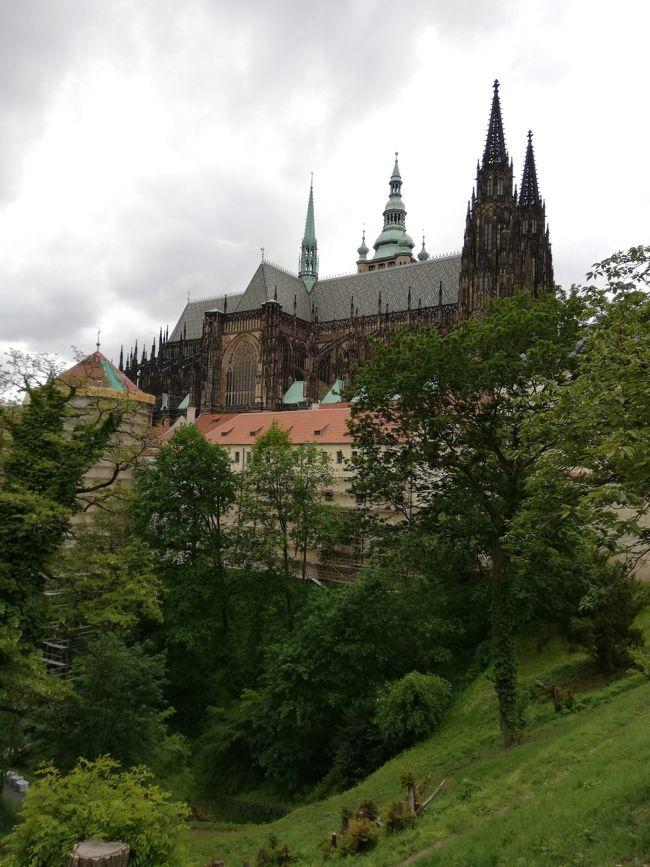 プラハ城>