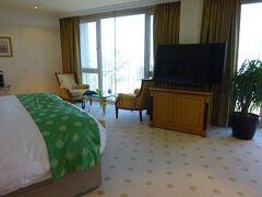 ホテルは、新市街地のタクシム地区にあるインターコンチネンタルホテルイスタンブールです。綺麗なホテル。