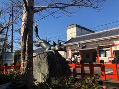 稲荷神社のシンボルのお狐さんは神様の使い。