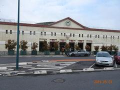 ここが ディズニーもよりのマルヌラ ヴァレ シェシー駅です。