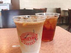 大阪城公園を散策し終えたら、目の前にあるNHK大阪へ 入り口にあるアトリウムにはシアトルズベストというコーヒー店があります。 席もあり、空調もきいていて涼しい場所で休憩できました。