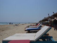 ホイアンのアンバンビーチ(An Bang Beach) ホテルの無料バスで行きました。 ホイアン シンセリティ ホテル 用スペースでは、ビーチチェアも無料でした。