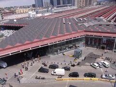 ナポリ中央駅は意外ときれいでした。ホテルのベランダから。