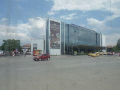 中央バスターミナル。首都のターミナルでこんなに閑散としたのは初めてです。