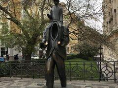フランツ カフカ像