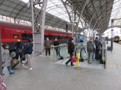 プラハ中央駅到着。