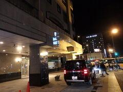 予約していた『プレミアホテル-CABIN-旭川』に到着。  今回は友人と別々に予約しました。 1人9,000円と、安くはありませんが、夏休みシーズンだから仕方ないかなぁ。