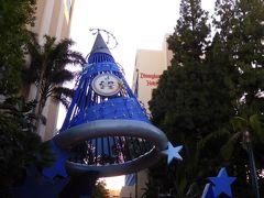 18:35  ダウンタウンディズニー(日本でいうイクスピアリかな)を通り、ディズニーランドホテルにやって来ました。