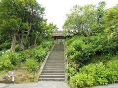 北鎌倉 東慶寺 10:30頃  この日は曇り空でしたが、散歩をするには丁度良いかも。