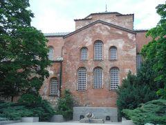 6世紀に建てられた聖ソフィア教会です。ソフィアの由来はこの教会名に由来だそうです。