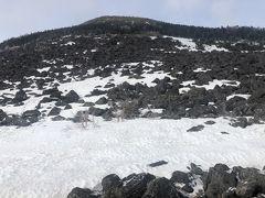翌朝の編笠山。今日は、ここを登ってから下山します。