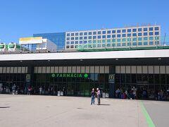 ホテルをチェックアウトし、マドリードに行くためにサンツ駅までタクシーで移動してきました。