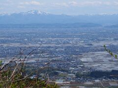 山頂から見た燕市付近~
